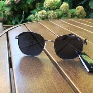 Quay jezabell gunmetal silver sunglasses